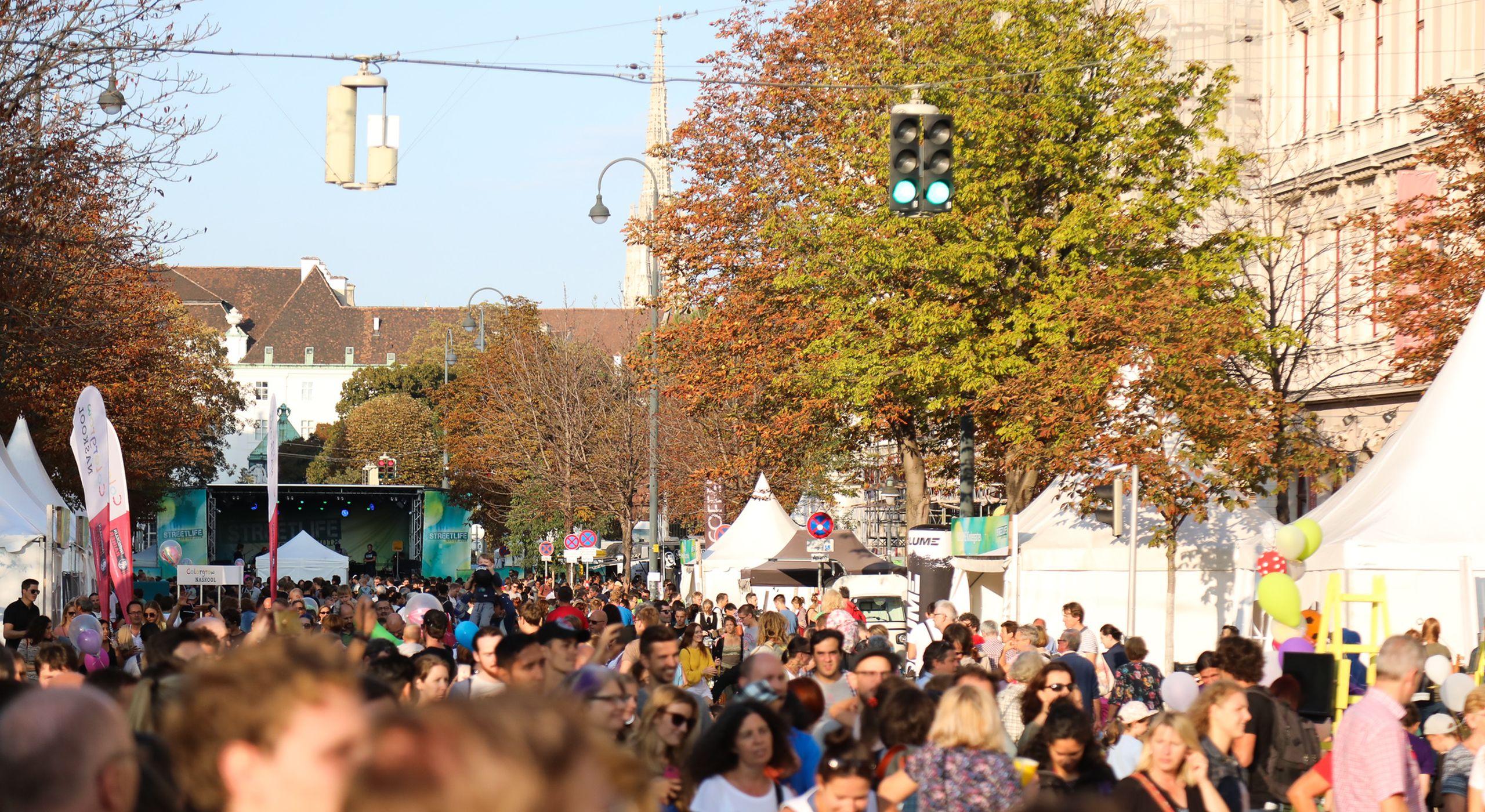 Das Streetlife Festival zum Auftakt der Europäischen Mobilitätswoche besuchten 40.000 Menschen. Es fand am 15. und 16. September in der Babenbergerstraße statt. Foto: Christian Fürthner