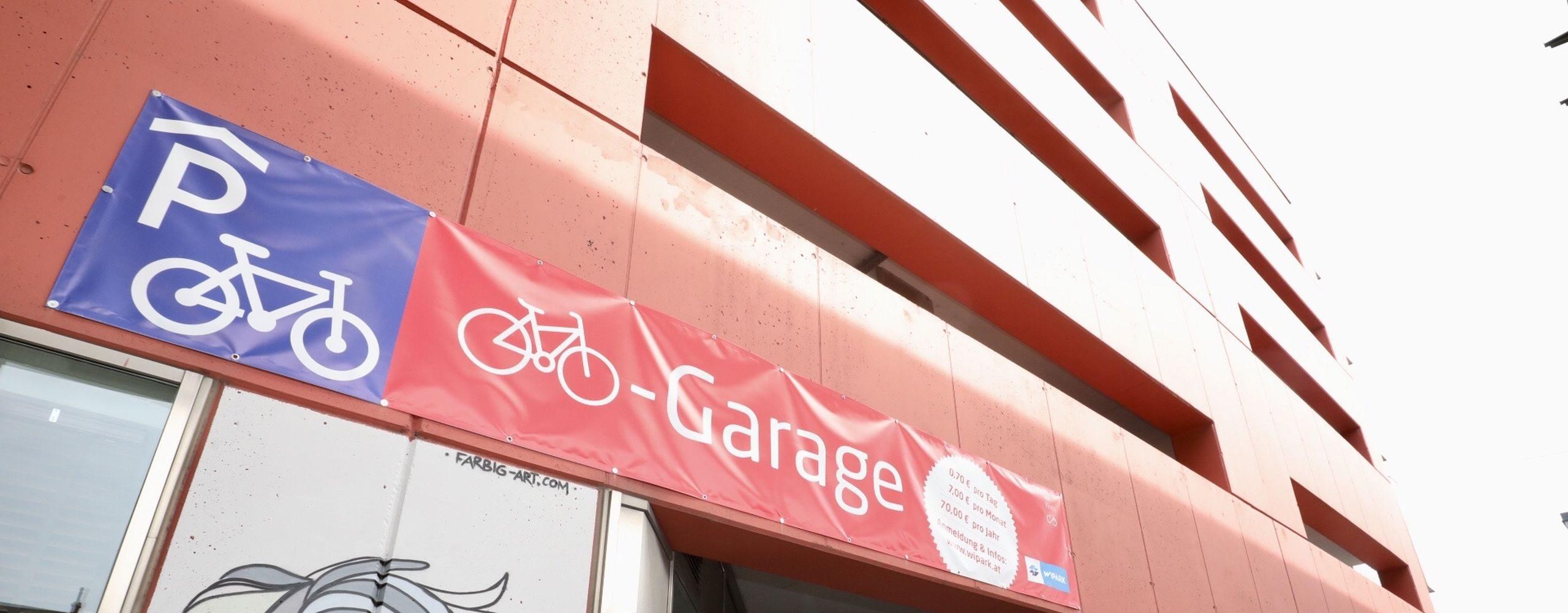 Im April 2018 eröffnete eine Bike&Ride Garage für Radfahrende in Liesing. In der überdachte Garage in der Wipark-Parkgarage haben 28 Fahrräder Platz. Foto: Christian Fürthner