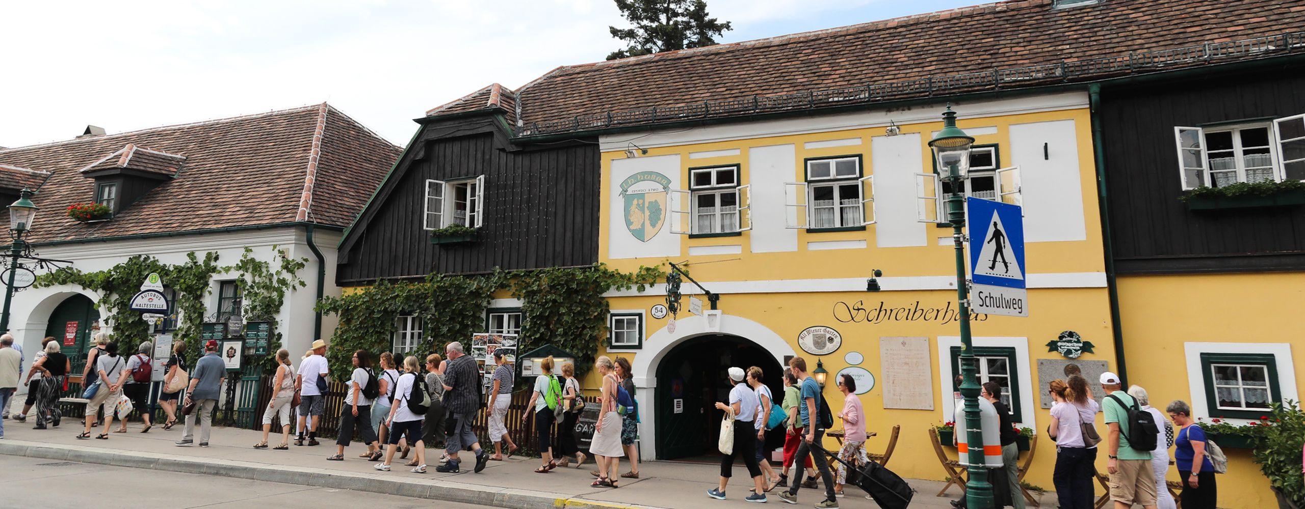 Wien ist eine Metropole, die eigene Weinbaugebiete hat. Das Geh-Cafe besuchte Neistift am Walde und Salmannsdorf und machte sich ein Bild vom ländlichen Teil der Stadt. Foto: Christian Fürthner