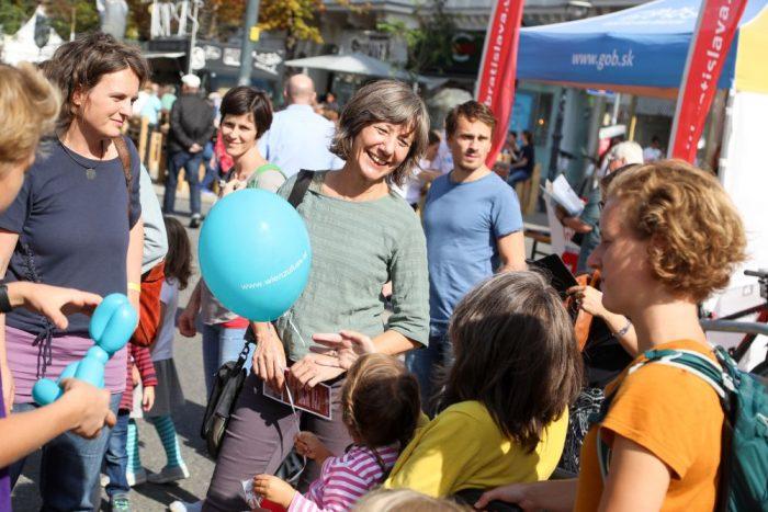 Vizebürgermeisterin Birgit Hebein beim Streetlife Festival.